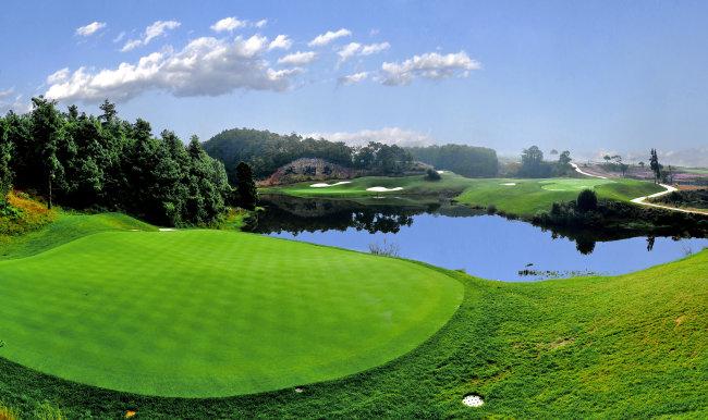 天湖岛高尔夫球场