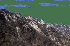 綿延起伏陡峭的山峰